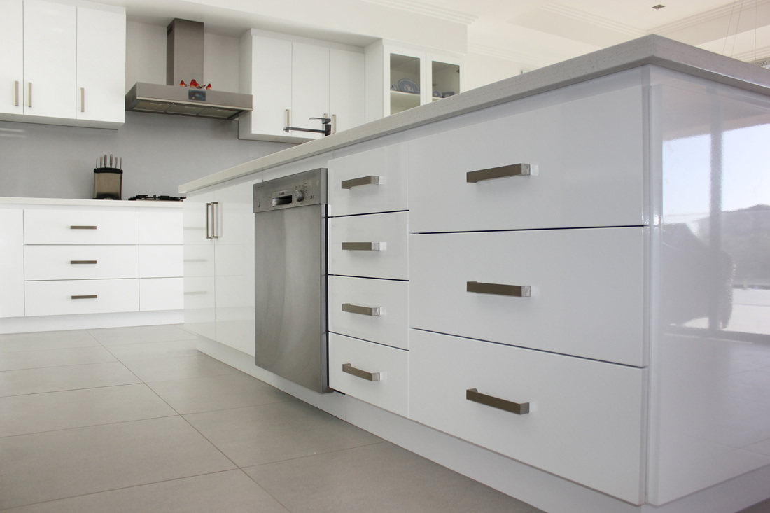 Rah cabinet makers foreshore cabinets granite benchtops for White vinyl kitchen cabinets